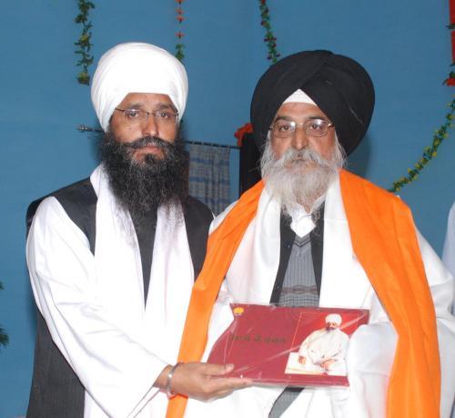 Adutti Gurmat Sangeet Samellan- 2011 (14)