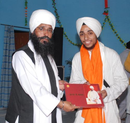 Adutti Gurmat Sangeet Samellan- 2011 (15)