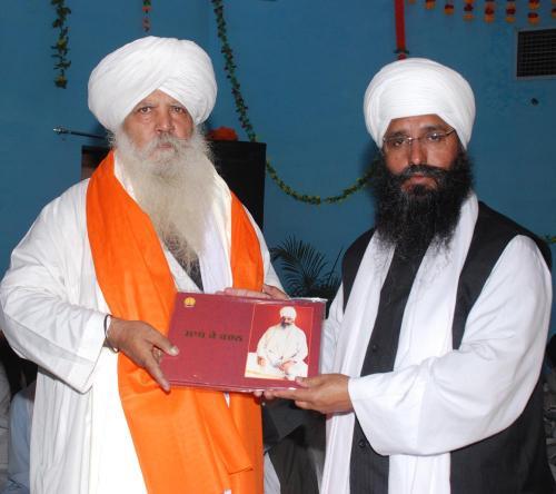Adutti Gurmat Sangeet Samellan- 2011 (19)