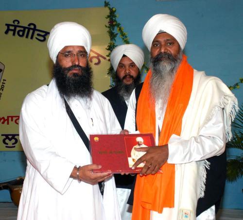 Adutti Gurmat Sangeet Samellan- 2011 (2)