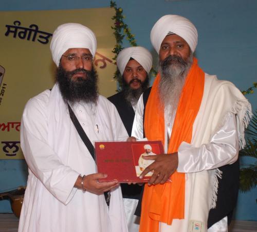 Adutti Gurmat Sangeet Samellan- 2011 (3)
