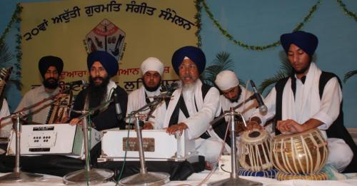 Adutti Gurmat Sangeet Samellan- 2011 (33)