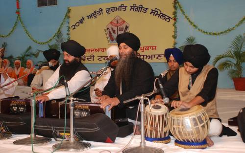 Adutti Gurmat Sangeet Samellan- 2011 (34)