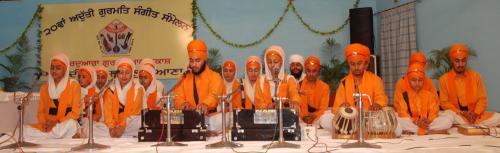 Adutti Gurmat Sangeet Samellan- 2011 (35)
