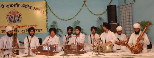 Adutti Gurmat Sangeet Samellan- 2011 (36)