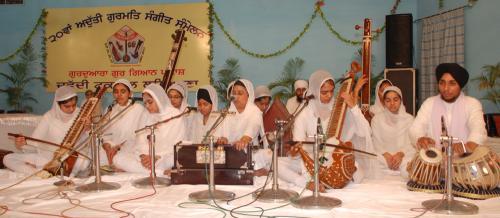 Adutti Gurmat Sangeet Samellan- 2011 (37)
