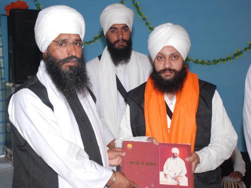 Adutti Gurmat Sangeet Samellan- 2011 (4)