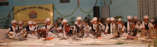 Adutti Gurmat Sangeet Samellan- 2011 (43)