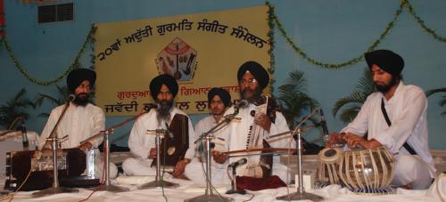 Adutti Gurmat Sangeet Samellan- 2011 (48)