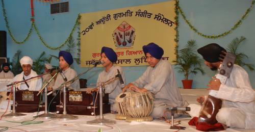 Adutti Gurmat Sangeet Samellan- 2011 (55)