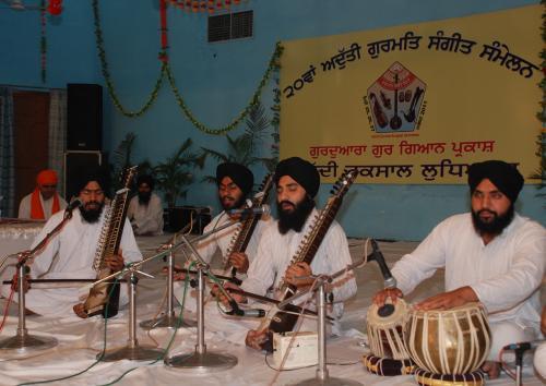 Adutti Gurmat Sangeet Samellan- 2011 (58)