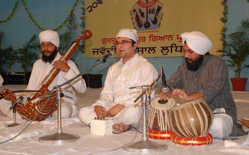Adutti Gurmat Sangeet Samellan- 2011 (60)