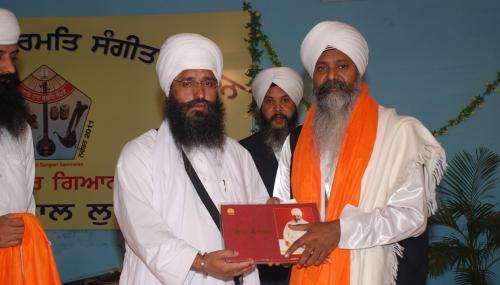 Adutti Gurmat Sangeet Samellan- 2011 (73)