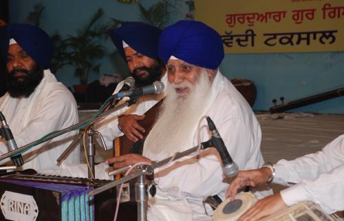 Adutti Gurmat Sangeet Samellan- 2011 (76)