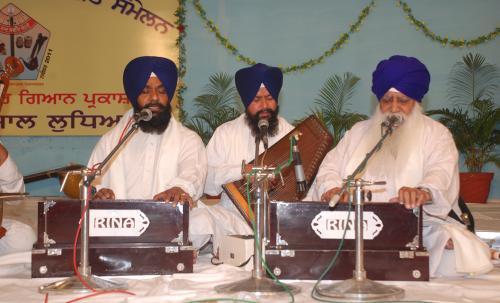 Adutti Gurmat Sangeet Samellan- 2011 (78)