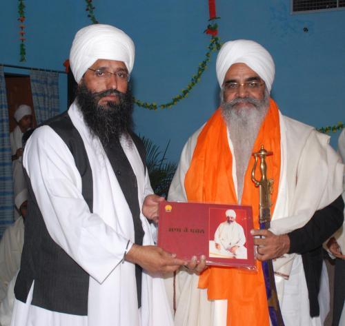 Adutti Gurmat Sangeet Samellan- 2011 (8)