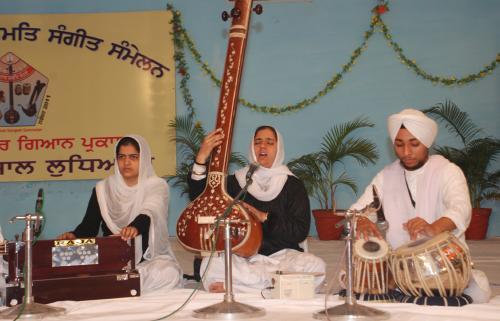 Adutti Gurmat Sangeet Samellan- 2011 (80)