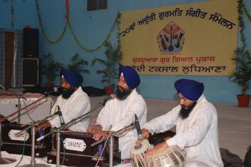 Adutti Gurmat Sangeet Samellan- 2011 (81)
