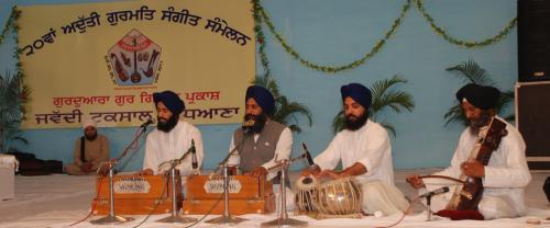 Adutti Gurmat Sangeet Samellan- 2011 (87)