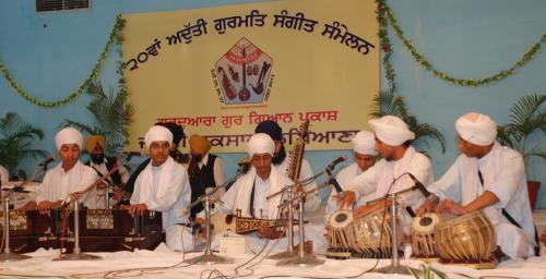 Adutti Gurmat Sangeet Samellan- 2011 (89)