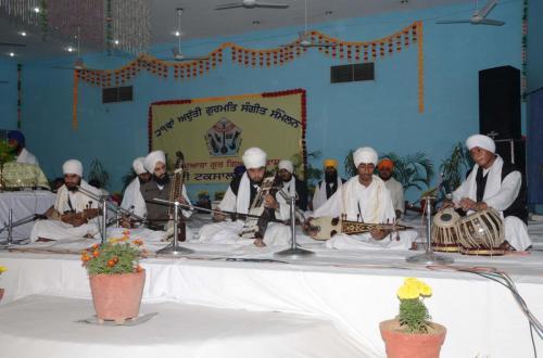Adutti Gurmat Sangeet Samellen Jawaddi Taksal 2012 (57)
