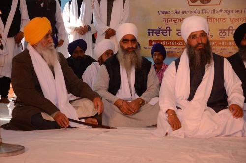 Singh Sahib Giani Joginder Singh ji Vidanti Jathedar Sri Akal Takhat Sahib and Sant Baba Amir Singh ji