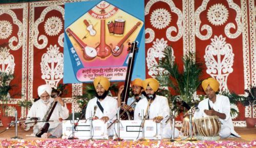 Adutti Gurmat Sangeet Samellan- 1991 (34)