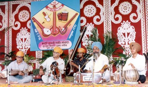 Adutti Gurmat Sangeet Samellan- 1991 (50)
