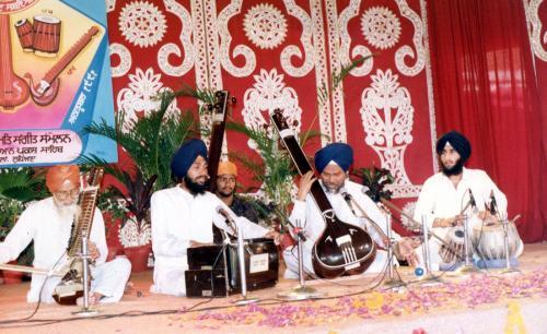 Adutti Gurmat Sangeet Samellan- 1991 (9)