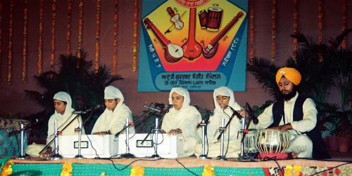 AGSS 1993  Students of Jawaddi Taksal (32)