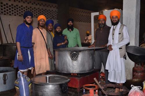 Adutti Gurmat Sangeet Samallen 2016 (58)
