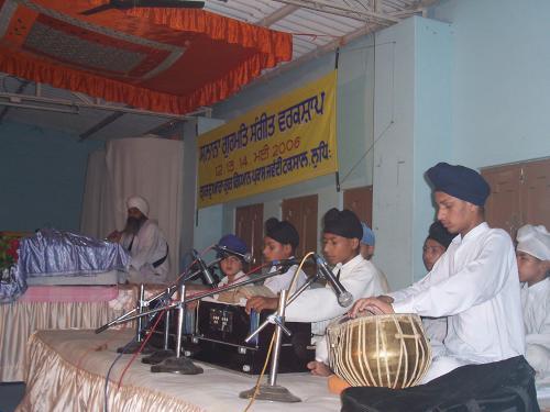 Gurmat Sangeet Workshop 2006 (19)
