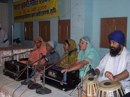 Gurmat Sangeet Workshop 2006 (22)