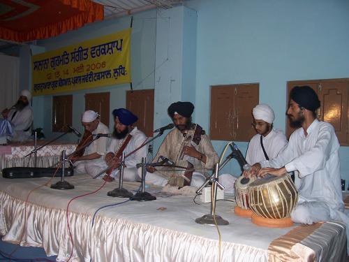 Gurmat Sangeet Workshop 2006 (26)