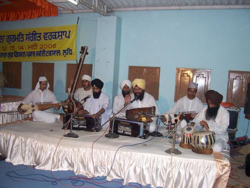 Gurmat Sangeet Workshop 2006 (27)