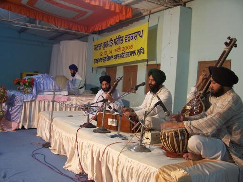 Gurmat Sangeet Workshop 2006 (29)