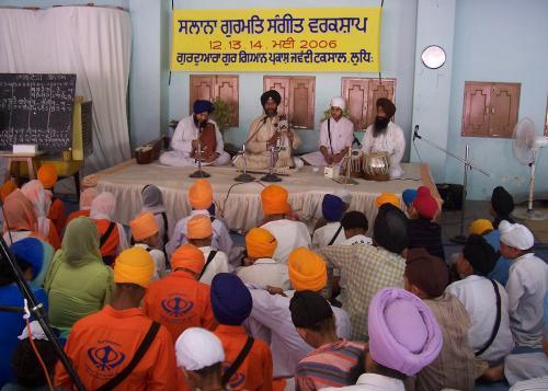 Gurmat Sangeet Workshop 2006 (7)