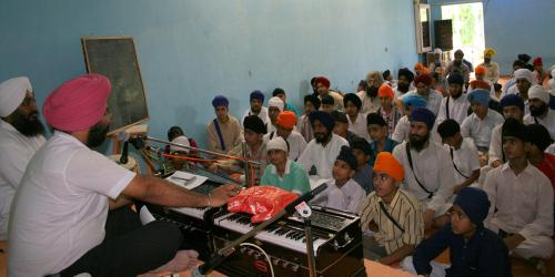Gurmat Sangeet Workshop 2007 (17)