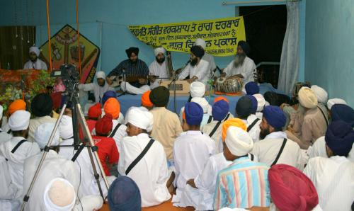 Gurmat Sangeet Workshop 2007 (9)