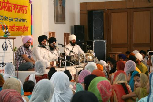 Gurmat Sangeet Workshop 2010 (40)