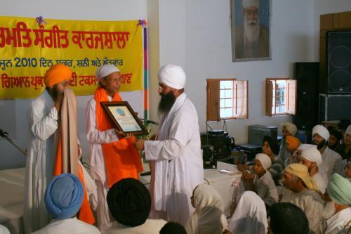 Gurmat Sangeet Workshop 2010 (49)