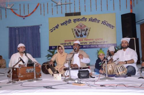 Adutti Gurmat Sangeet Samellan 2013 (15)