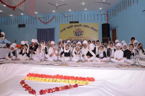 Adutti Gurmat Sangeet Samellan 2013 (20)