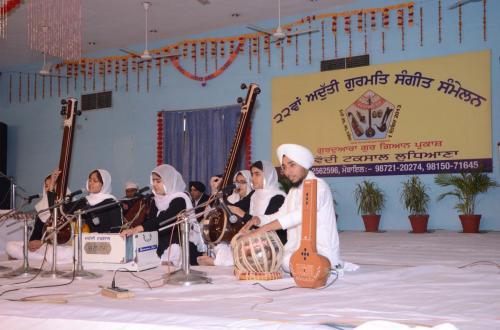 Adutti Gurmat Sangeet Samellan 2013 (32)