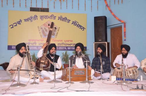 Adutti Gurmat Sangeet Samellan 2013 (37)