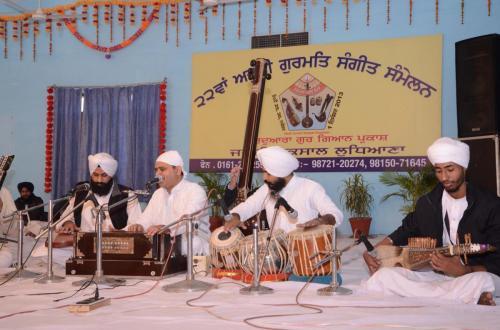 Adutti Gurmat Sangeet Samellan 2013 (42)