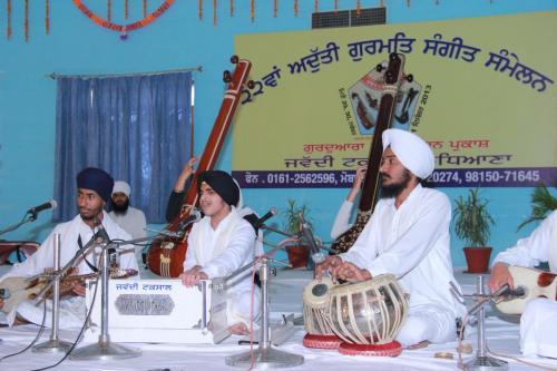 Adutti Gurmat Sangeet Samellan 2013 (67)