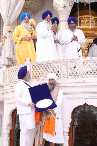 Sant Baba Sucha Singh ji honoured from Akal Takhat Sahib, award received by Sant Baba Amir Singh ji (25)