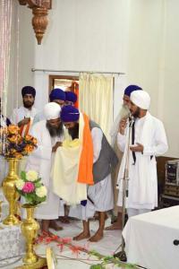 Sant-Baba-Amir-Singh-ji-honouring-Jathedar-Sant-Baba-Avtar-Singh-Dal-Baba-Bidhi-Chand-sahib